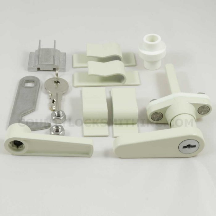 Accordion Shutter L Lock Ivory